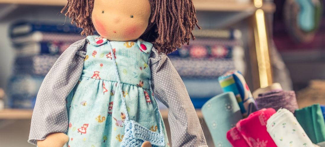 Puppe Maya